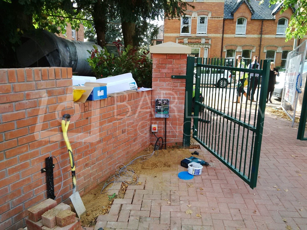 Swing gate automation came axo barlow technologies